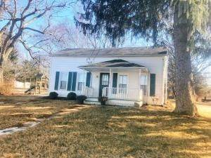 Single Family Homes por un Venta en 11 Main Sparta, Ohio 43350 Estados Unidos