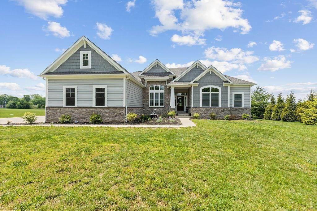 Single Family Homes por un Venta en 17895 Winchester Ashville, Ohio 43103 Estados Unidos