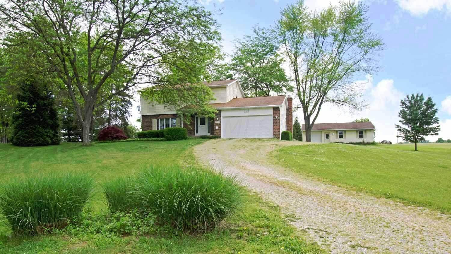 Single Family Homes for Sale at 13244 Heimberger Baltimore, Ohio 43105 United States