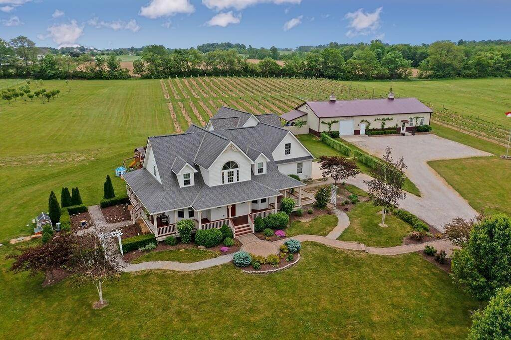 Single Family Homes por un Venta en 800 Winchester Southern Ashville, Ohio 43103 Estados Unidos