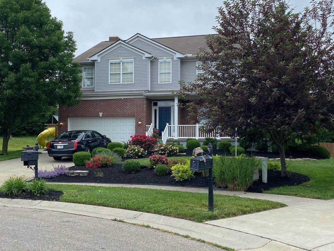 Single Family Homes for Sale at 10 Rowley Cincinnati, Ohio 45246 United States