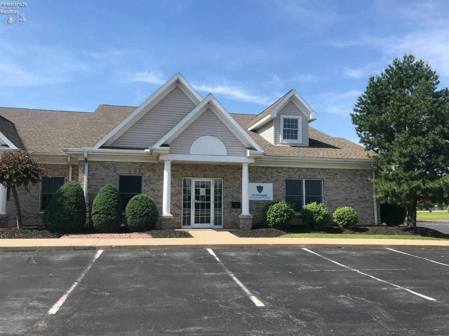 Commercial for Sale at 1355 Main Street Bellevue, Ohio 44811 United States