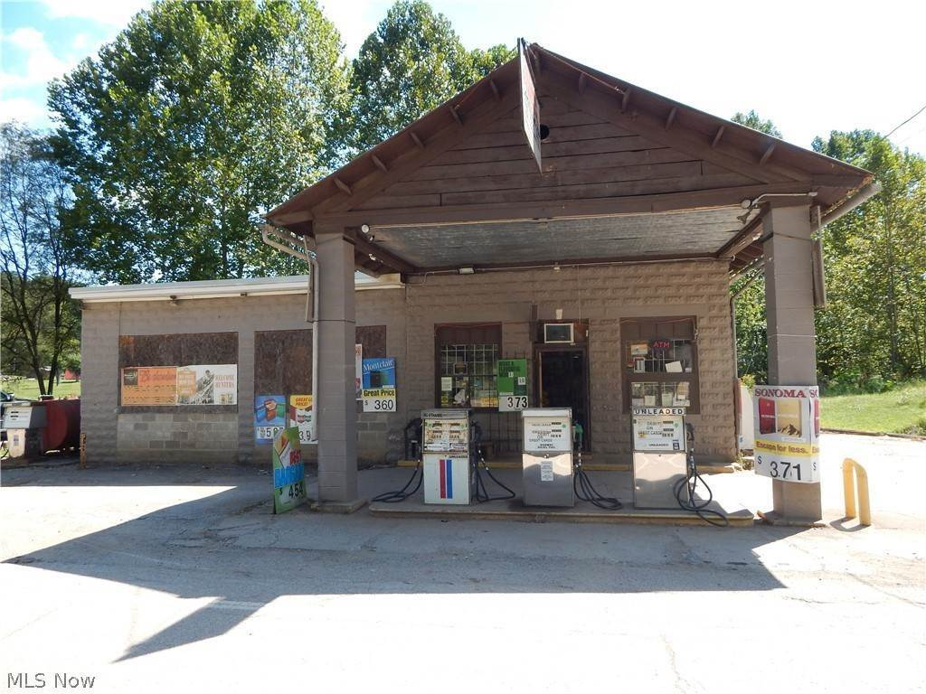Retail for Sale at 59 Main Street Cairo, West Virginia 26337 United States