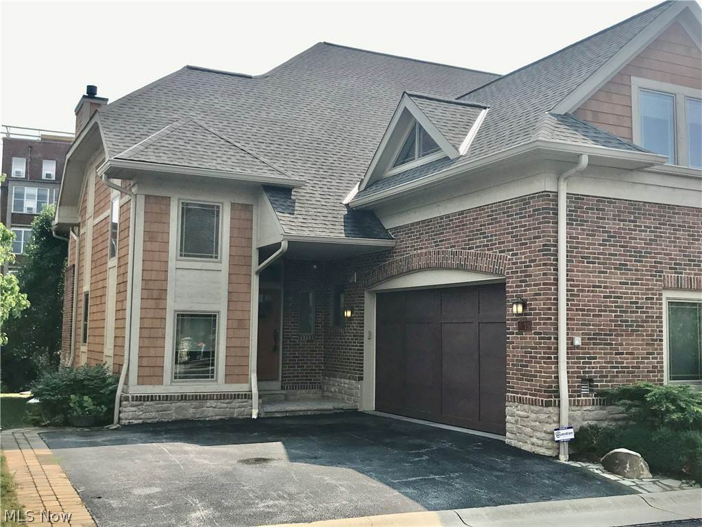 Property for Sale at 15 Kenilworth Mews Cleveland Heights, Ohio 44106 United States