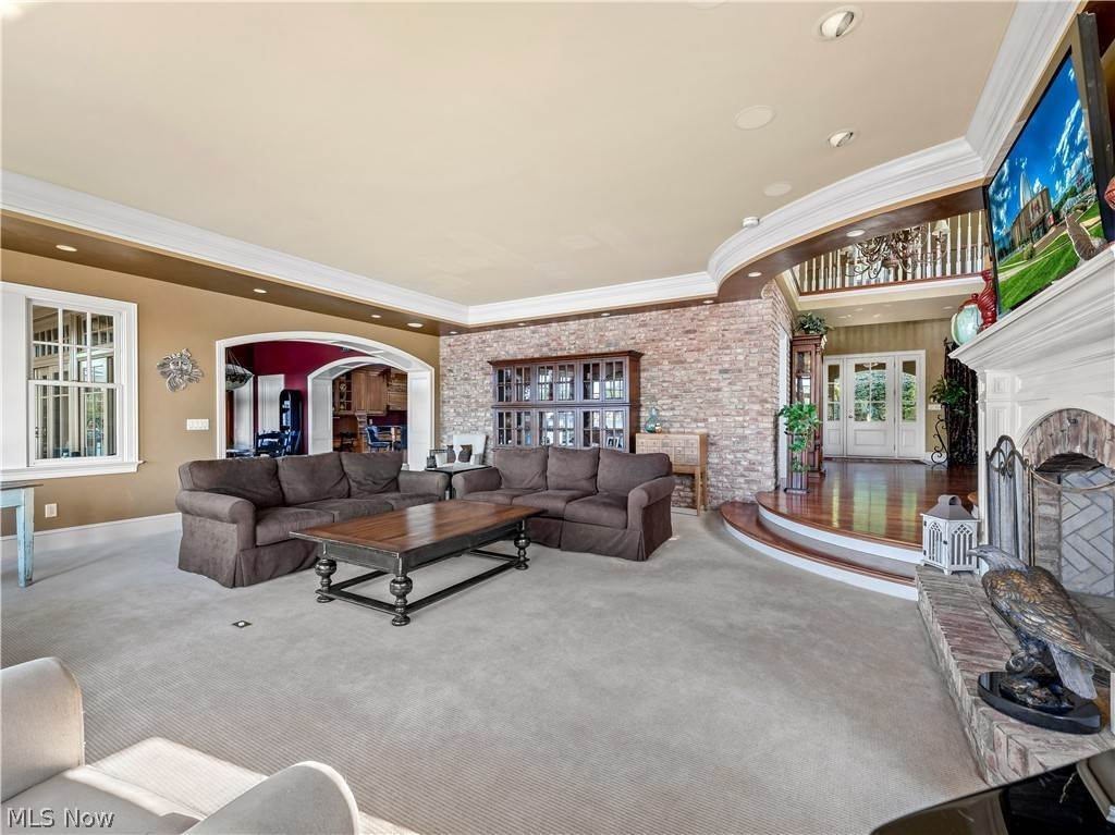 10. Single Family Homes for Sale at 875 Swigart Road New Franklin, Ohio 44203 United States
