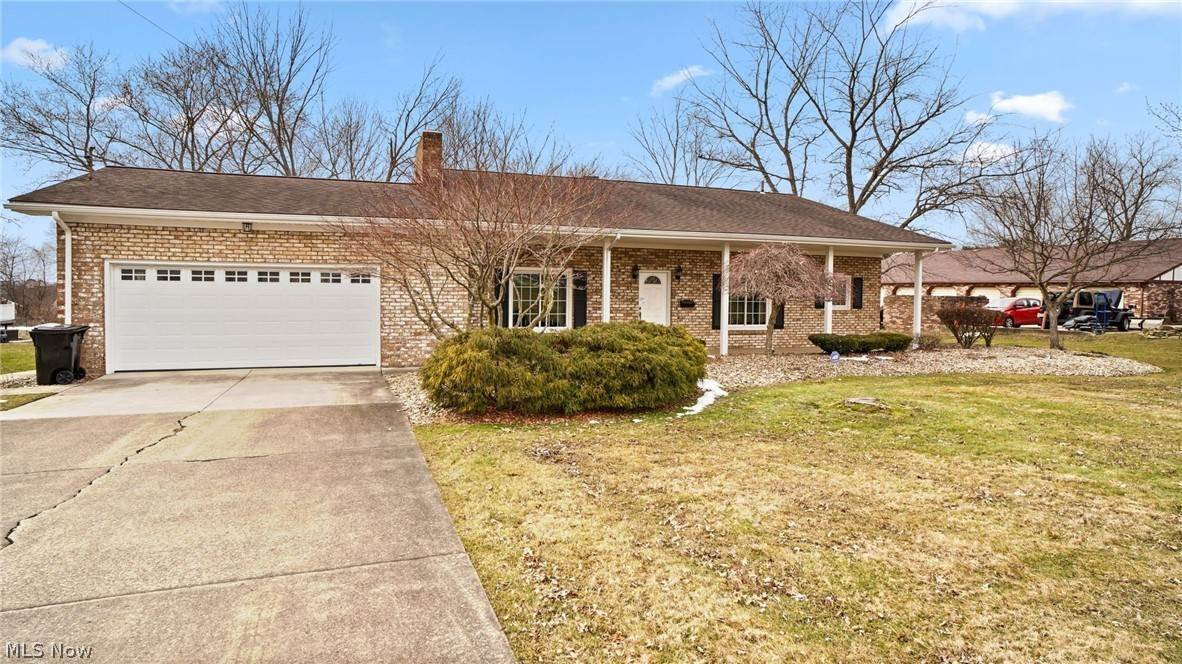 Single Family Homes for Sale at 385 N Mecca Cortland, Ohio 44410 United States