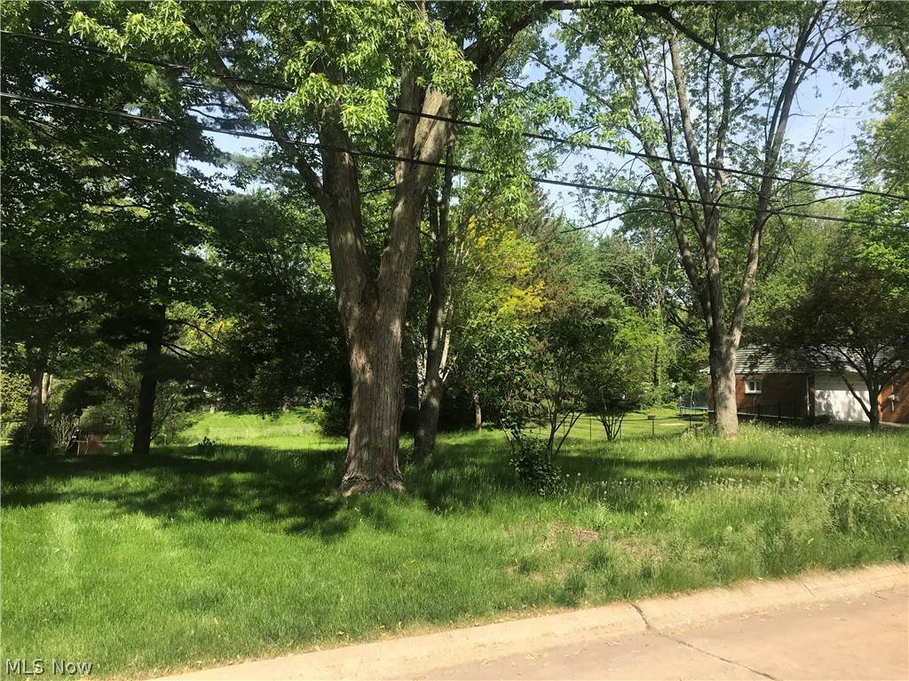 Residential for Sale at 288 Winchester Road 288 Winchester Road Fairlawn, Ohio 44333 United States