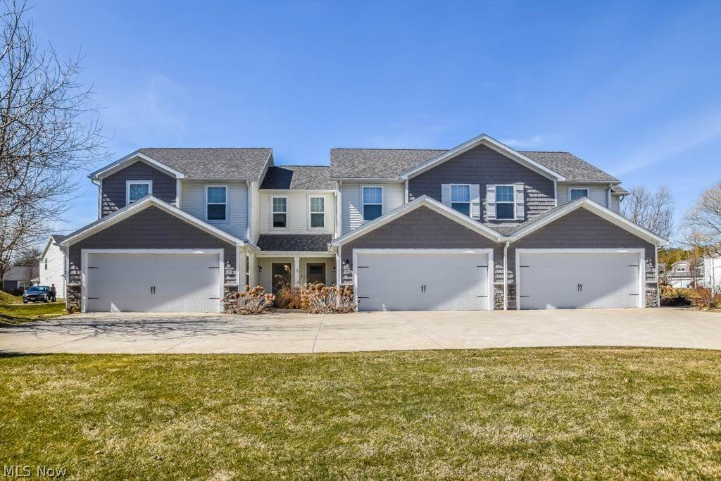 Single Family Homes for Sale at 1300 Cascade Circle NW Canton, Ohio 44708 United States