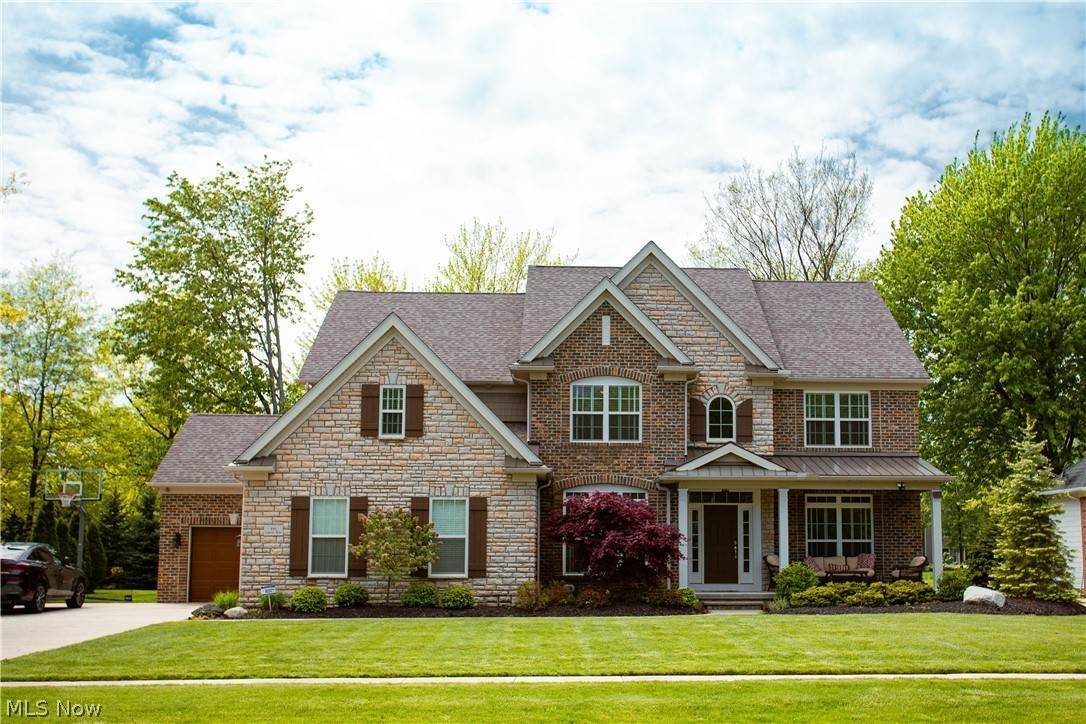 Single Family Homes for Sale at 592 Legends Row Avon Lake, Ohio 44012 United States