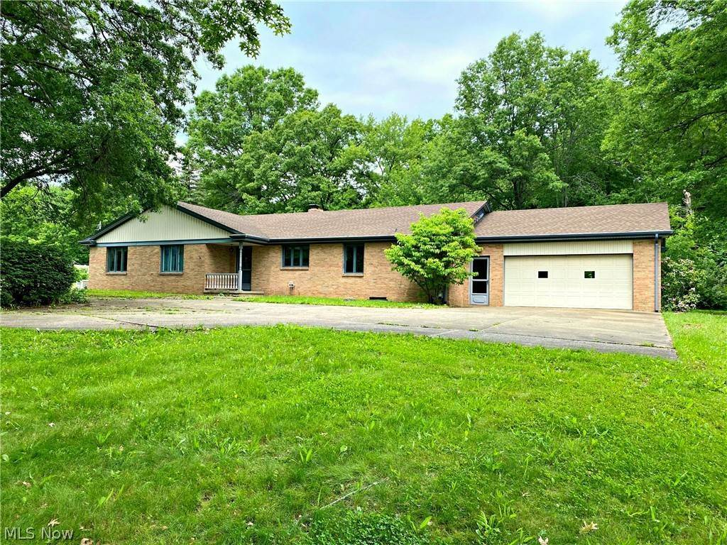 Single Family Homes for Sale at 5214 W Viola Avenue Austintown, Ohio 44515 United States