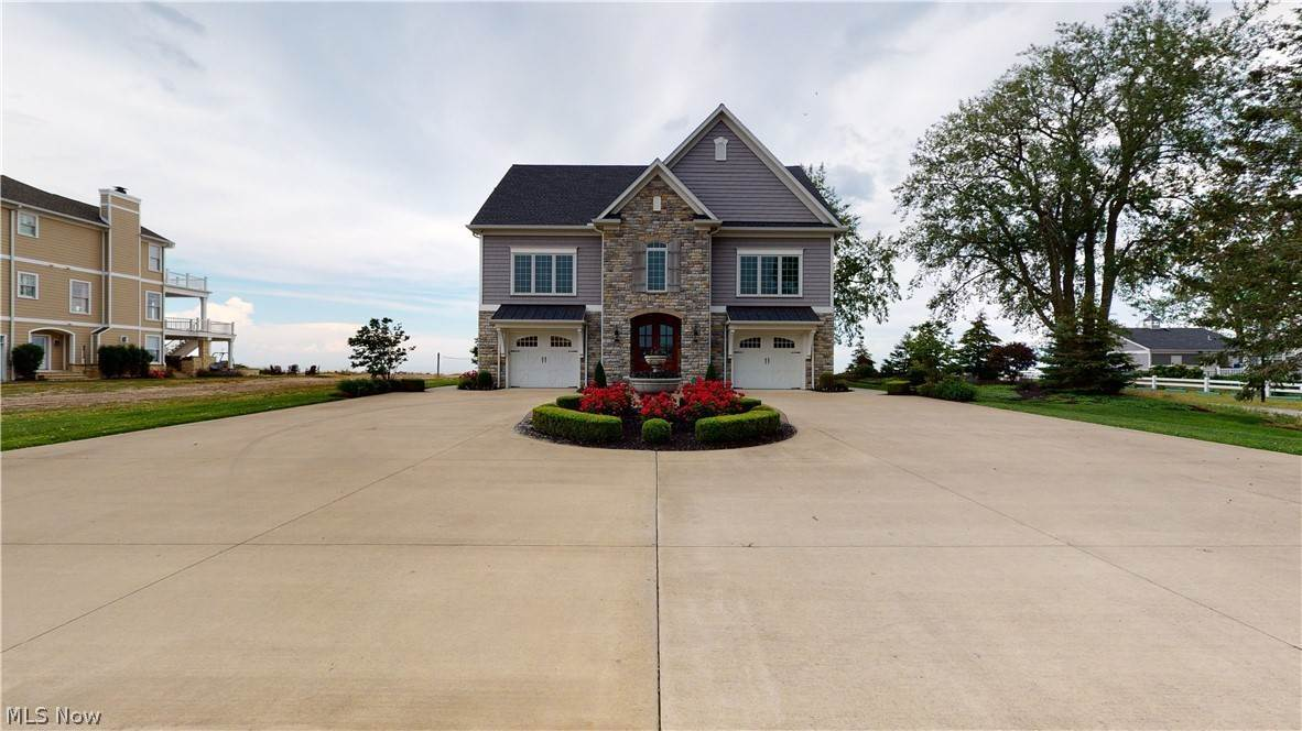 Single Family Homes for Sale at 513 Bay Point Boulevard Lakeside, Ohio 43440 United States
