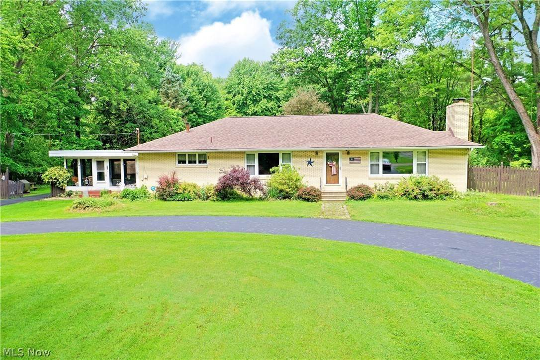 Single Family Homes for Sale at 2315 Howland Wilson Road Cortland, Ohio 44410 United States