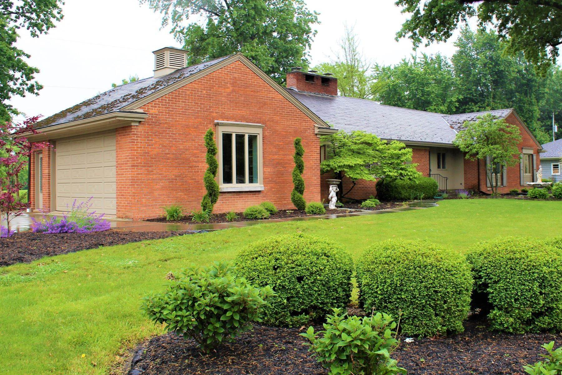 Single Family Homes for Sale at 1028 Lavina Avenue Bucyrus, Ohio 44820 United States