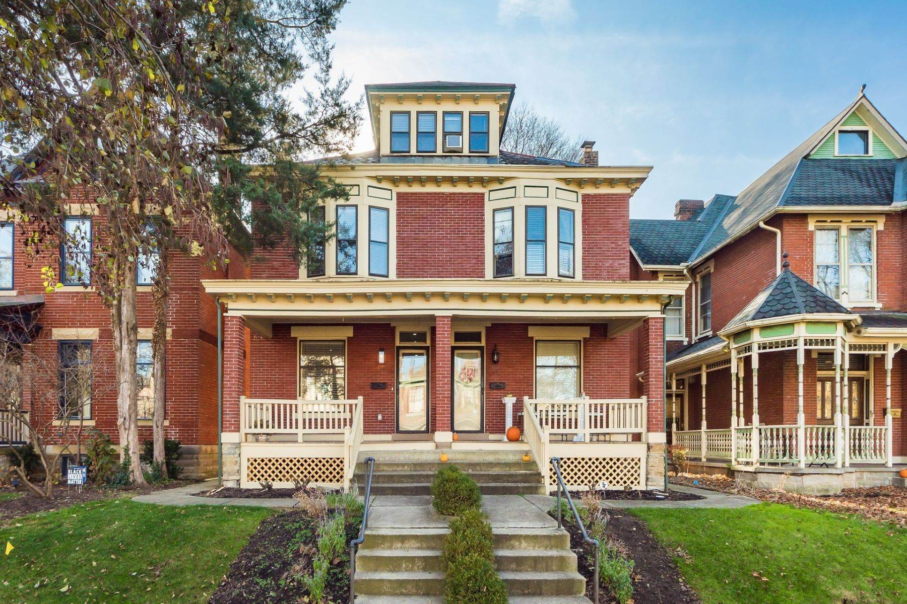 2. Condominiums for Sale at 99 W Hubbard Avenue 99 West Hubbard Columbus, Ohio 43215 United States